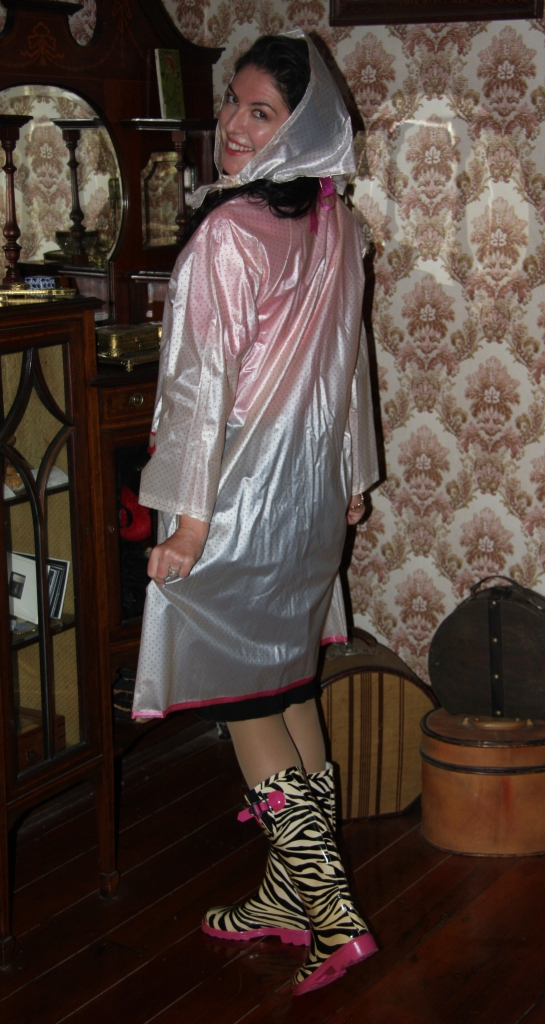 Shirr Raincoat - Back