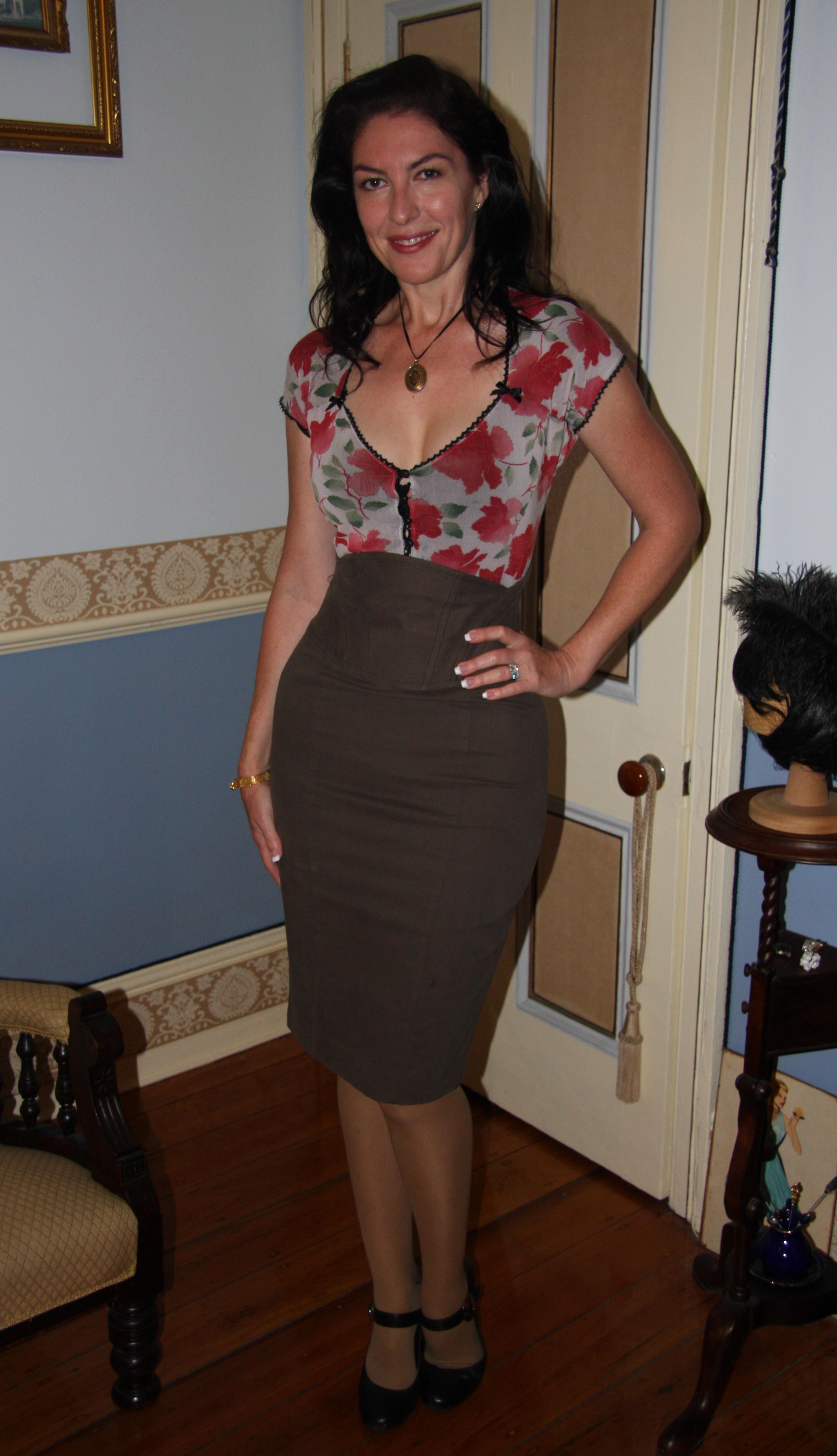 petite-mature-brunette-milf