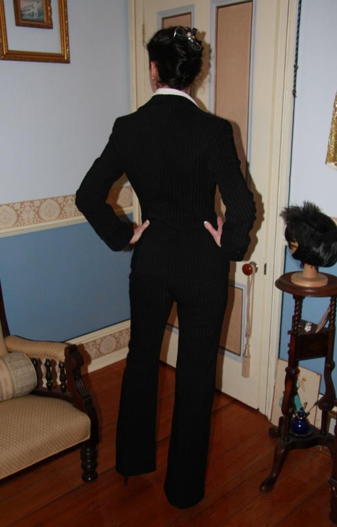 Suits Me - Back