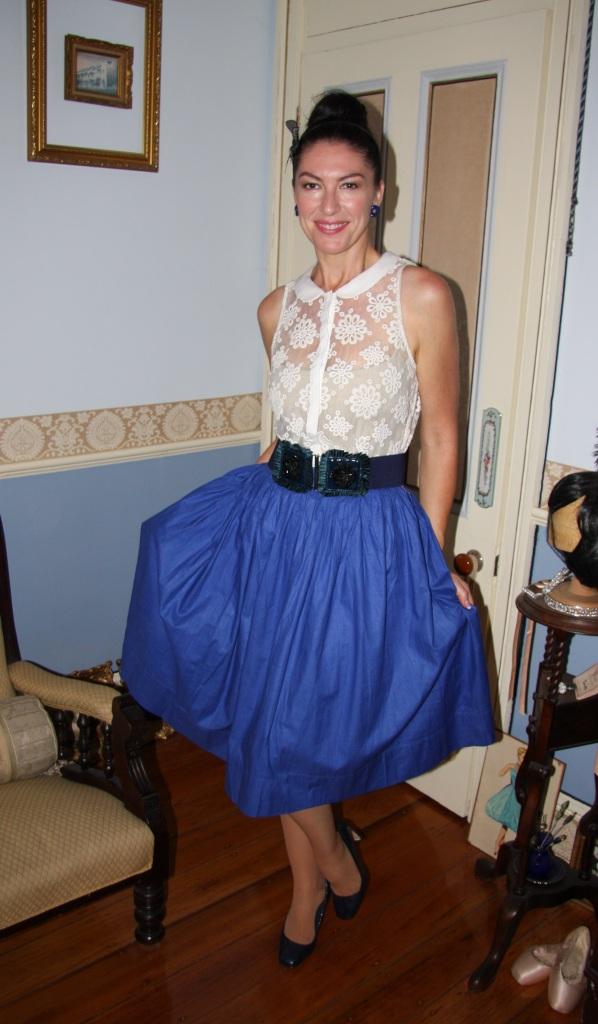 Blue Daisy - Front