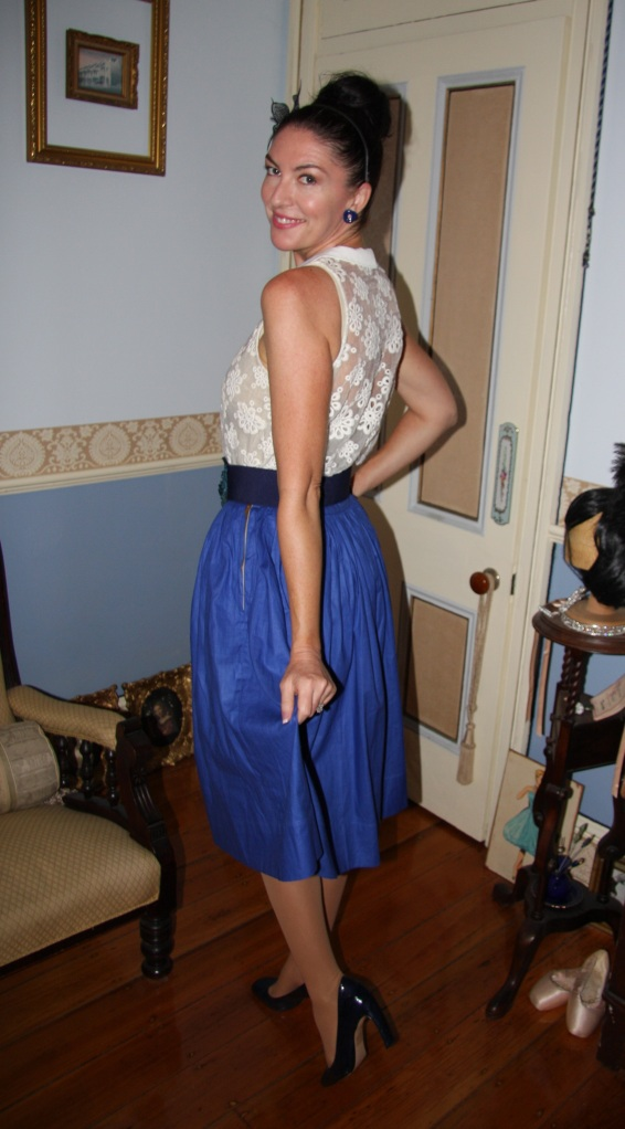 Blue Daisy - Back