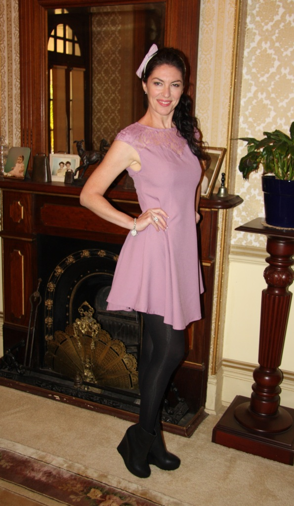 Lady in Lilac - Side
