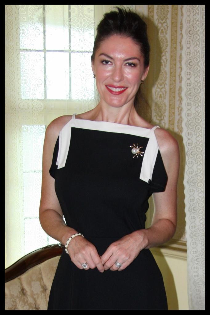Monochrome Madame - Portrait